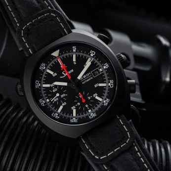 Hands On Sinn 140 St S Review   The Space Chronograph