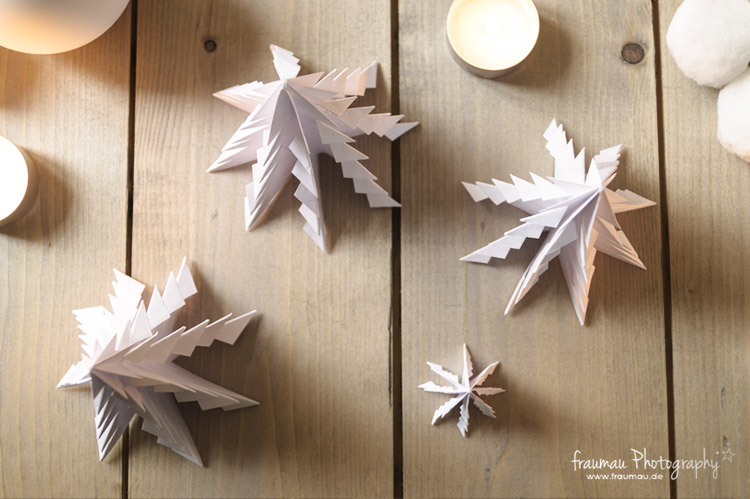 origami weihnachtsbaum do it yourself fraumau. Black Bedroom Furniture Sets. Home Design Ideas