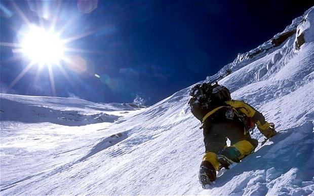 climbing_mount-everest