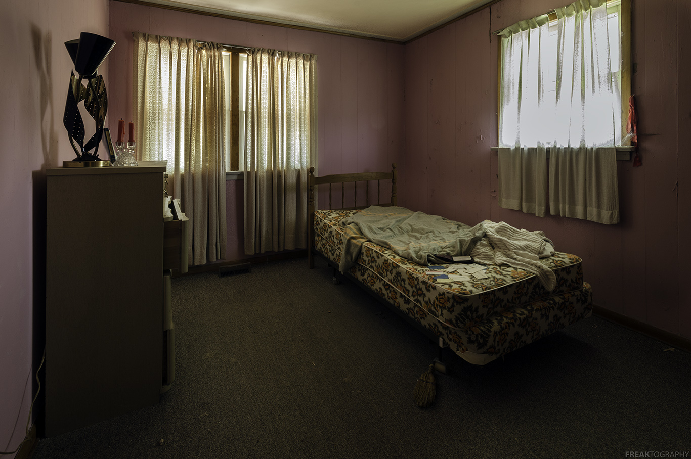 Mid Century Abandoned House | Abandoned Ontario