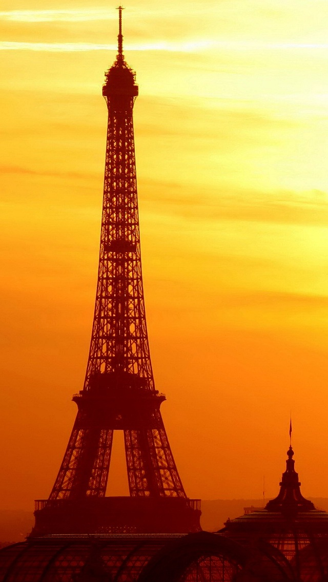 Bright Wallpapers For Iphone 6 Eiffel Tower Bathed In The Morning Sun Iphone 6 6 Plus