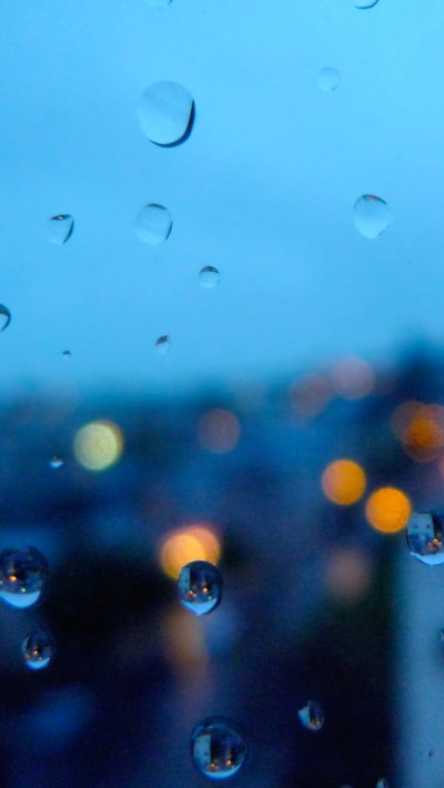 Rainy Day Bokeh iPhone 6 / 6 Plus and iPhone 5/4 Wallpapers