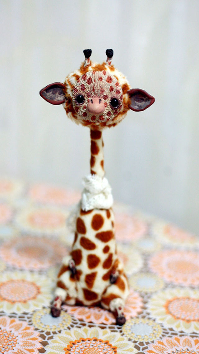 Cute Cartoon Hd Wallpapers Free Download Giraffe Doll Iphone 6 6 Plus And Iphone 5 4 Wallpapers