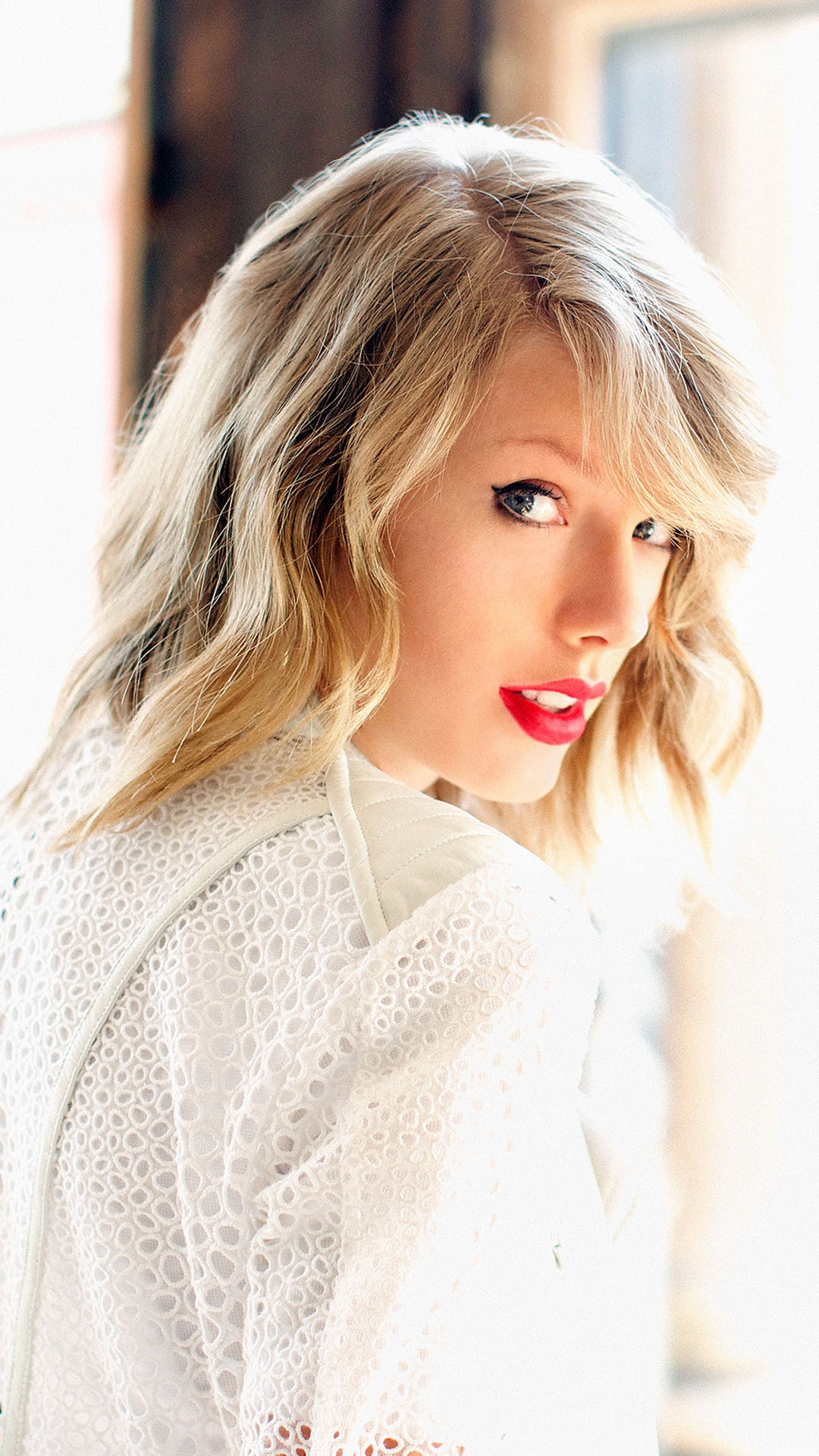 Wallpaper For Iphone 4s Black Taylor Swift In White Iphone 6 6 Plus And Iphone 5 4