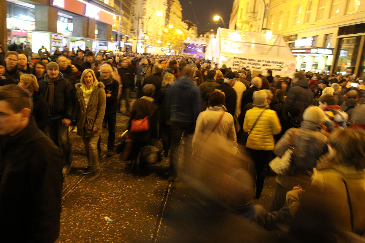 25. výročí Sametové revoluce v Praze 2014, Chmee2, commons.wikimedia.org