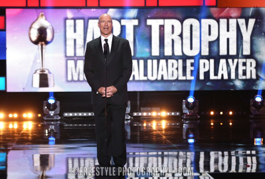 LAS VEGAS, NV - JUNE 24: Former NHL player Mark Messier speaks onstage during the 2014 NHL Awards at the Encore Theater at Wynn Las Vegas on June 24, 2014 in Las Vegas, Nevada. (Photo by Andre Ringuette/NHLI via Getty Images)