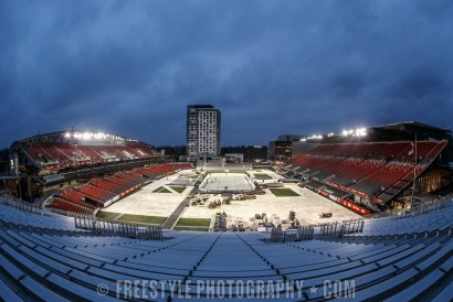 OTTAWA, ON - DECEMBER 9: A general view of the rink and stadium ahead of the Scotiabank NHL100 Classic between the Ottawa Senators and the Montreal Canadiens at Lansdowne Park on December 9, 2017 in Ottawa, Canada. (Photo by Andre Ringuette/NHLI via Getty Images)