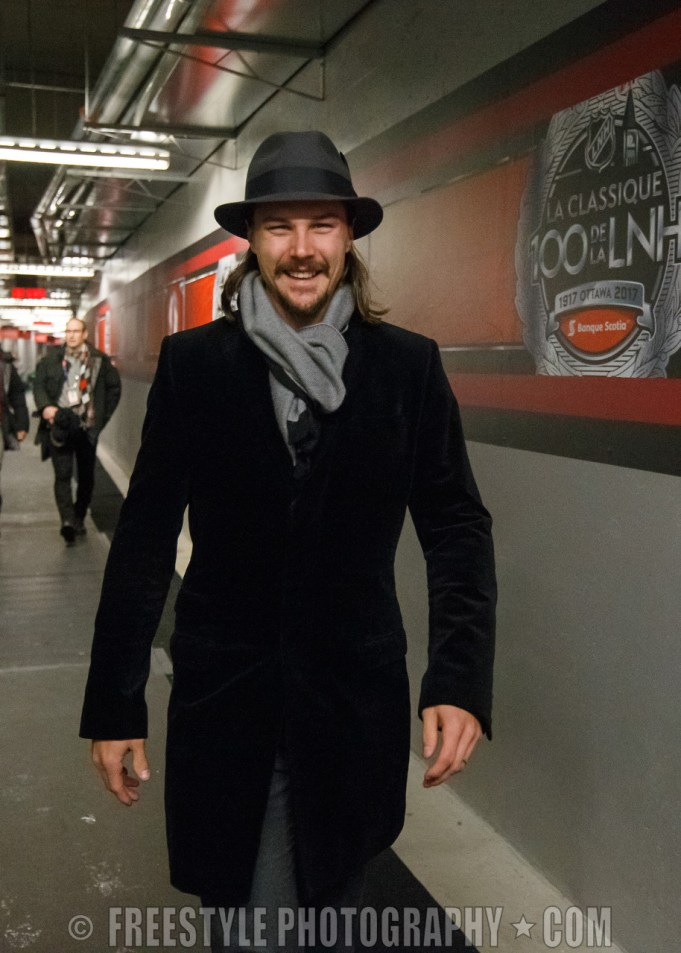 OTTAWA, ON - DECEMBER 16: Erik Karlsson #65 of the Ottawa Senators arrives at the rink prior to the 2017 Scotiabank NHL100 Classic at Lansdowne Park on December 16, 2017 in Ottawa, Canada. (Photo by Andre Ringuette/NHLI via Getty Images)