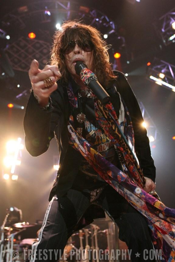 Aerosmith Corel Centre, Ottawa 11/16/05 (PHOTO: Andre Ringuette/ Freestyle Photography)