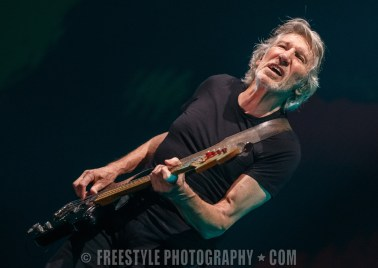 Roger Waters - Canadian Tire Centre Oct. 10, 2017 PHOTO: Andre Ringuette/Freestyle Photography