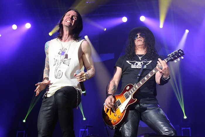 SLASH-FEATURING-MYLES-KENNEDY-AND-THE-CONSPIRATORS-06