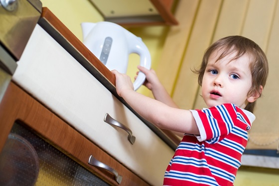 Kindersicherheit Ratgeber zur kindgerechten Wohnraumgestaltung - kueche kindersicher machen tipps