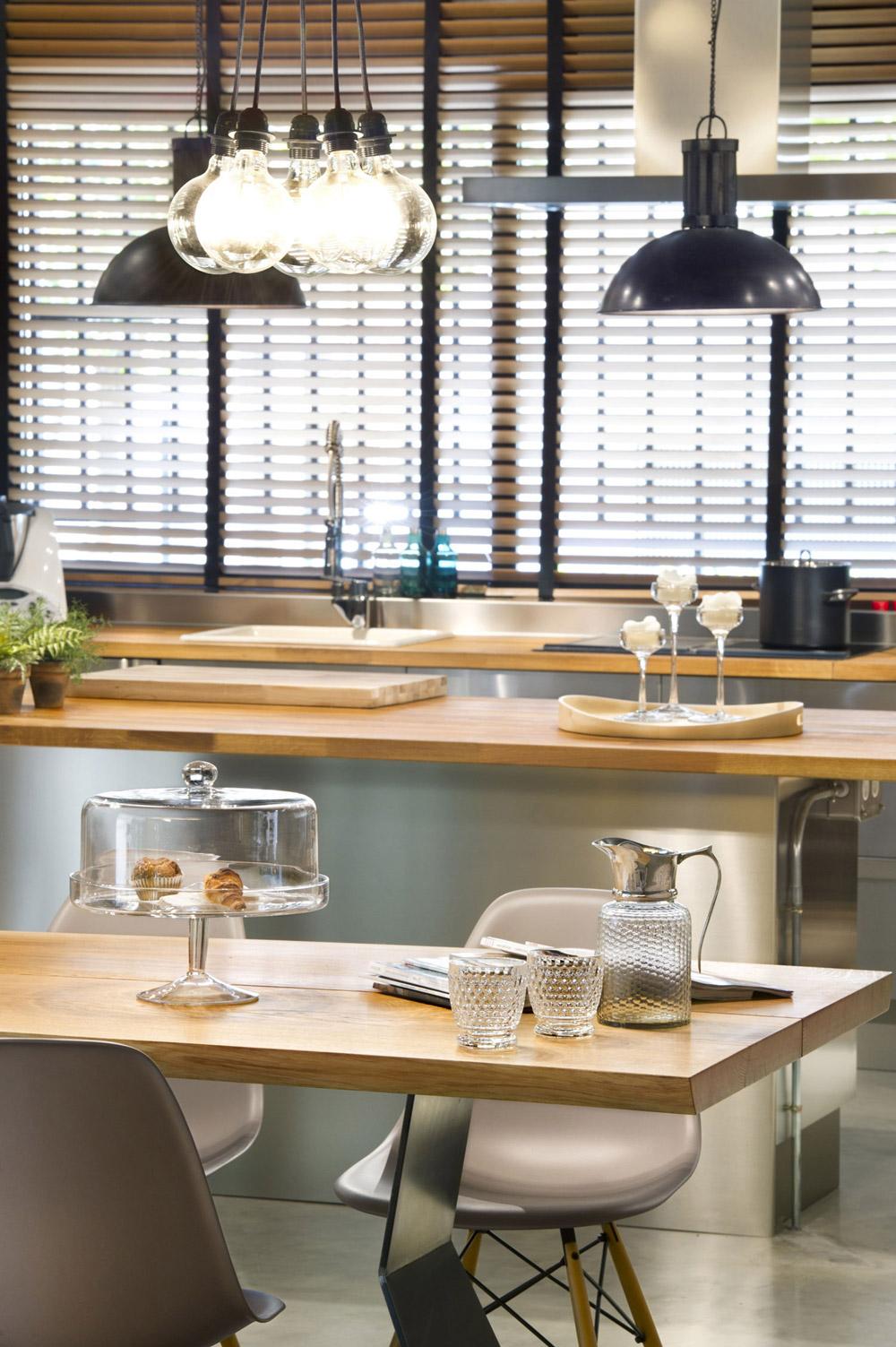 dining table kitchen pendant lighting loft style home terrassa spain kitchen table lighting Dining Table Kitchen Pendant Lighting Loft Style Home in Terrassa Spain