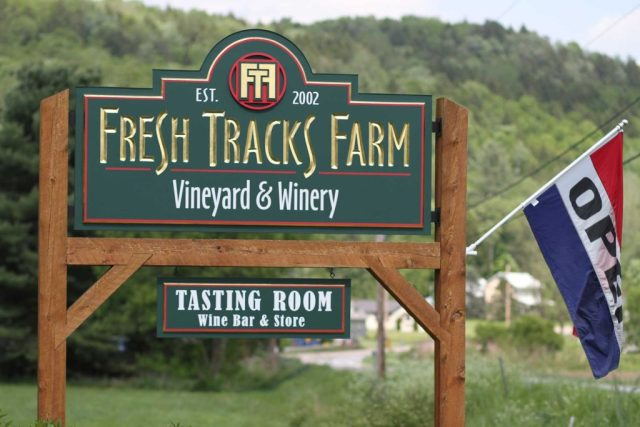 Fresh Tracks Farm road sign