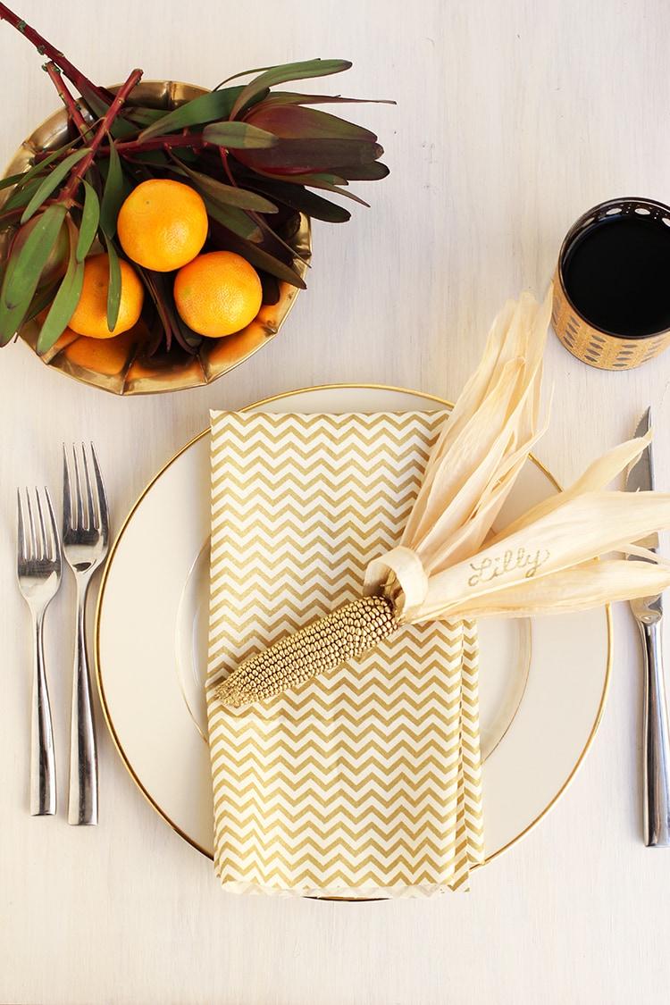 Thanksgiving gold corn place holders freutcake for Diy place card holders for thanksgiving