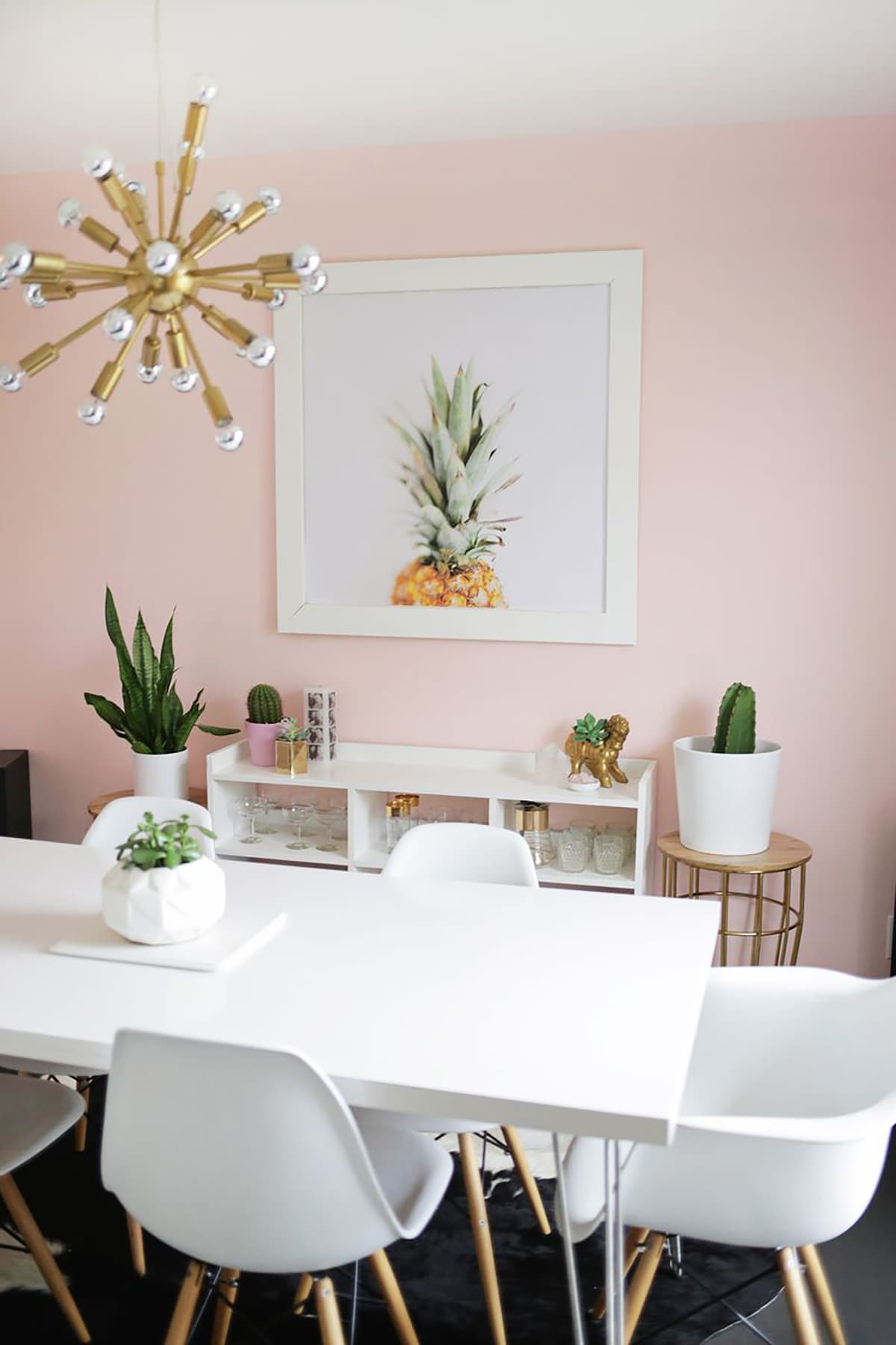 A pale pink dining room freutcake freutcake for Dining room art
