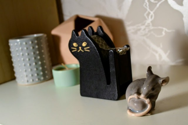 cat tape dispenser