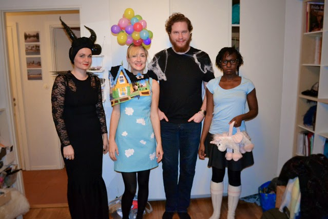 fridanoodle and friends in costume