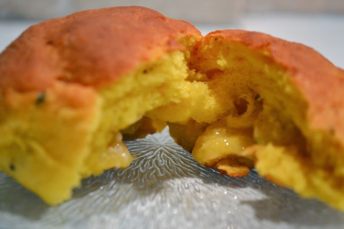 saffron bun with white choclate filling
