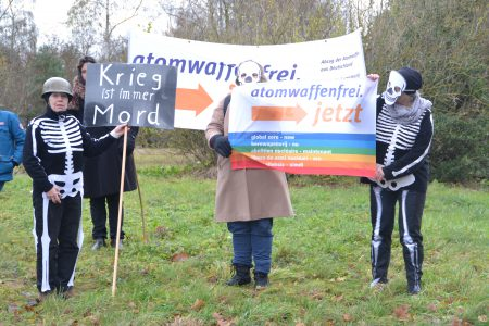 Protest am 19.11.2016 in Büchel. Foto: Stefanie Intveen
