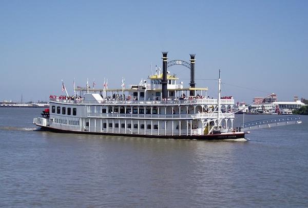 riverboat-1542020_640