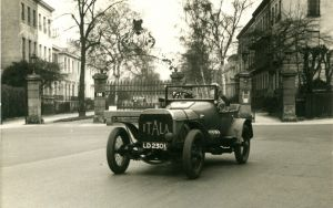Pittville Gates in 1952 on 23 March with a 1908 Itala during a rally