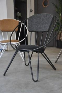 """Studio 900 Design, collezione Palation, """"Poltrona Novecento"""", poltrona in ferro, seduta e schienale in eco-pelle o tessuto (courtesy Studio 900 Design)"""