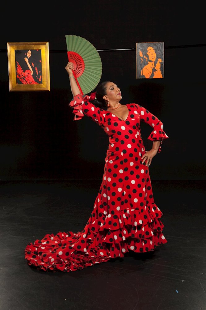 Elena Andujar shows flamenco dance and sings a song from her album Flamenco in Time