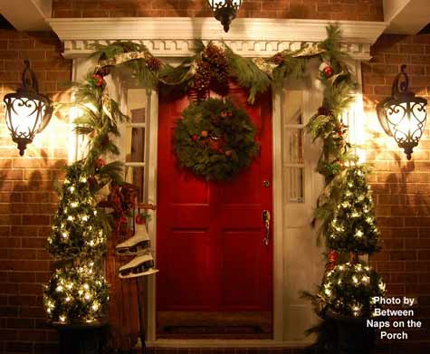 Christmas Wreath Decorations Ideas for Your Home and Front Porch - christmas decorations for outside