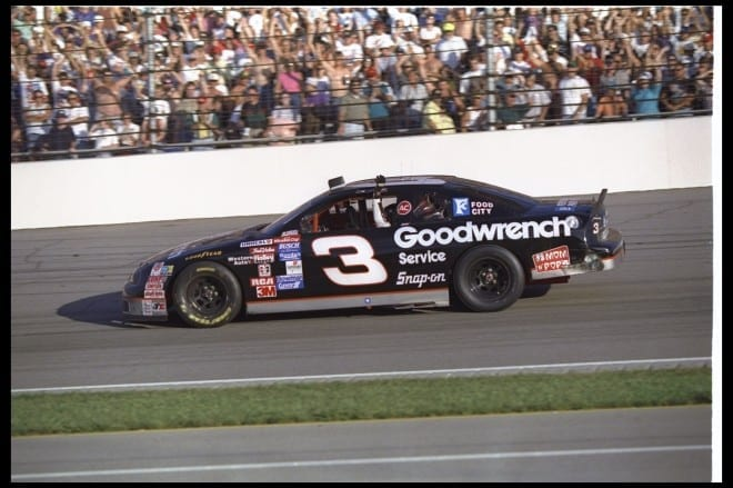 Dale Earnhardt to Be Honored at Darlington Raceway