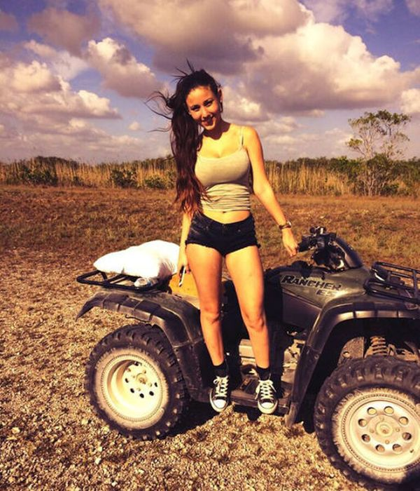 Cute Love Animations Wallpapers Cute Photos Of Angie Varona Page 4