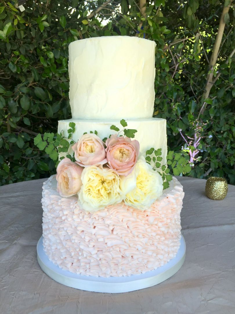how much should i budget for my wedding cake cheap wedding cakes rustic ruffle wedding cake