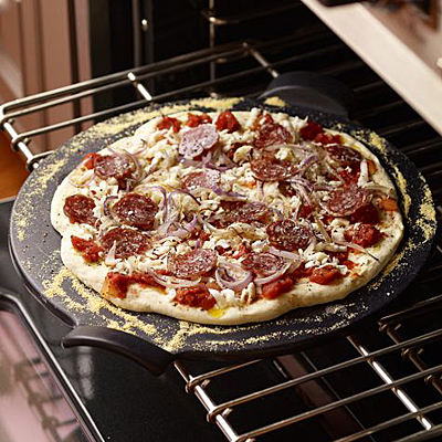 Williams-Sonoma Emile Henry pizza stone