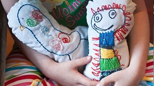 embroidery-dolls