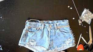 denim_shorts_spikes_intro