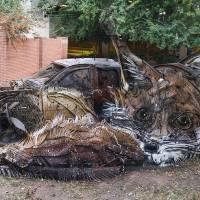 Inventive Trash Sculptures of Animals