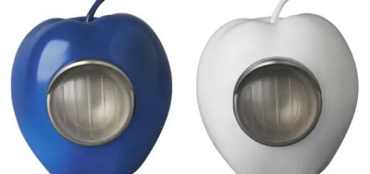 アンダーカバー (UNDERCOVER)のリンゴ型ライト「GILAPPLE」に新色「BLUE/WHITE」が登場!