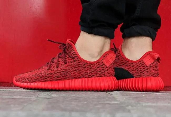 YEEZY 350 BOOST LOW レッド (RED)!カスタムシューズらしからぬクオリティ!(アディダス カニエ ウェスト イージー ブースト adidas Kanye West)