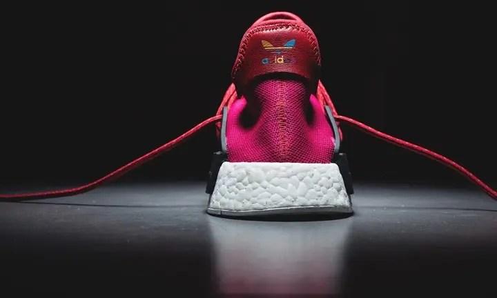 """【リーク】Pharrell Williams x adidas Originals NMD_R1 """"HUMAN RACE"""" Pink (ファレル・ウィリアムス アディダス オリジナルス エヌ エム ディー アール ワン """"ヒューマン レース"""" ピンク)"""