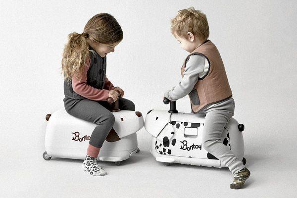 旅行箱與小孩