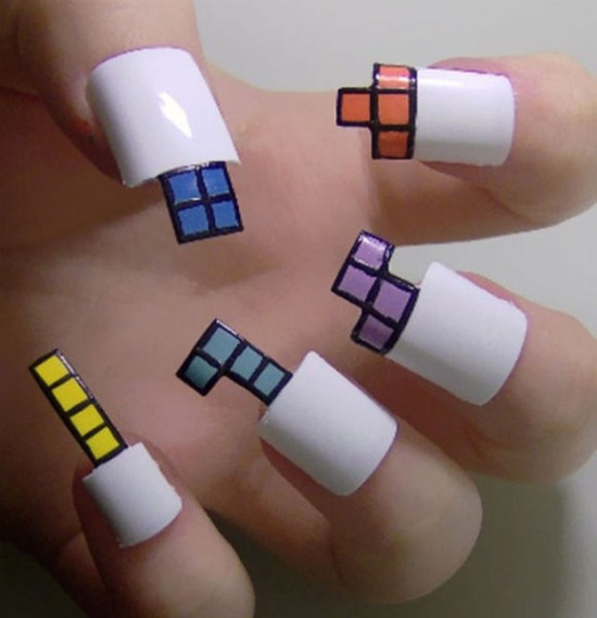 Here-Comes-the-Pop-Culture-Nails-002