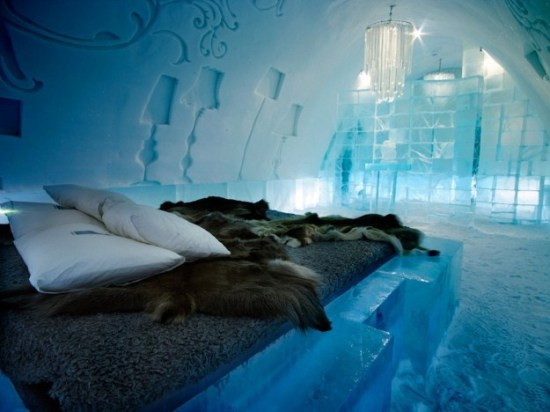 Hotel-made ​-of-ice-and-snow-in-Sweden-008