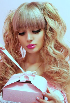 The-Human-Barbie-Doll-021