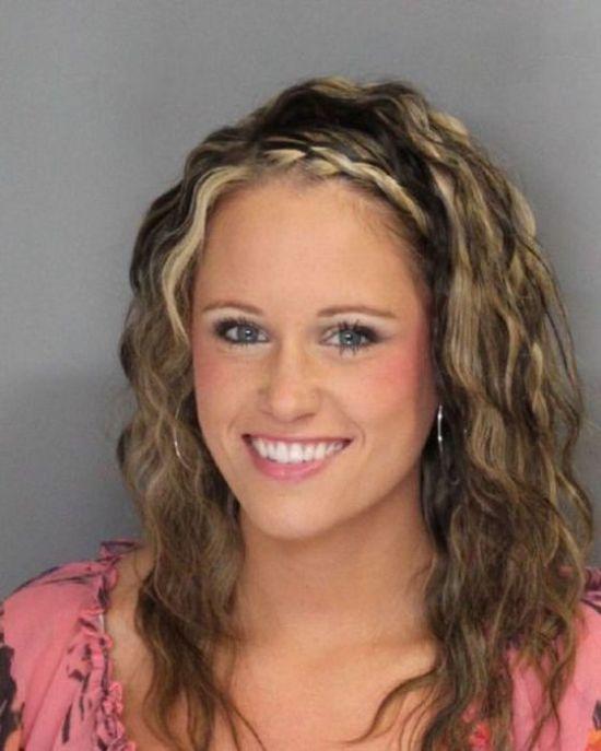 27 Hot girls arrested 005