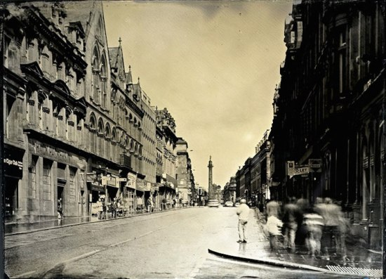 Photographer uses 130-year-old plate camera to capture pictures of modern Britain 001