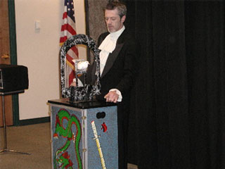 Rent a magician for kids birthday party Magic show for Children's Parties in San Diego Orange County kids party clowns rental