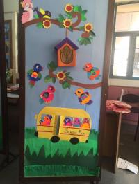 cool spring door decorations for preschoolers (5