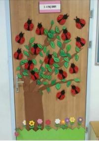 ladybug spring door decoration  Preschool and Homeschool
