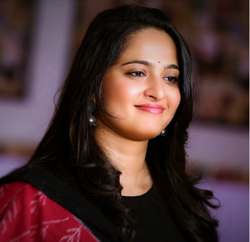 Hd Wallpapers Best Collection 21 Unseen Anushka Shetty Hot Photos Sexy Bikini Images