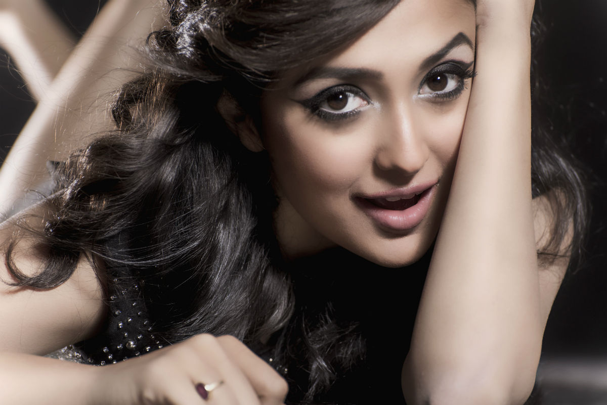Bhavana Cute Hd Wallpapers Hot Amp Spicy Pictures Monali Thakur Bikini Photos Amp Hd